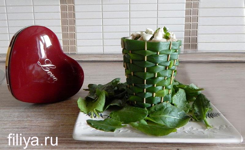 оформление салата в корзинке
